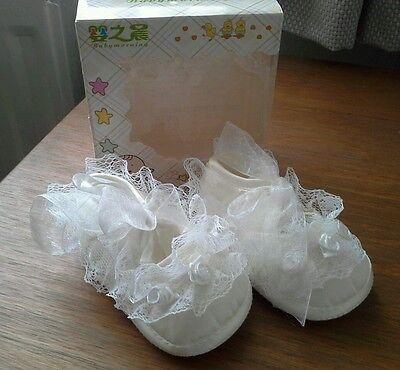 Nuevo Bebé Niñas Marfil/Crema Bautizo Cochecito de Niño Zapatos-la edad de 3-6 meses