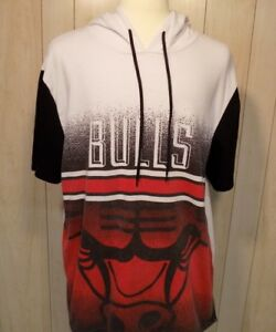 Chicago Bulls Men s Sweatshirt Size XXL Short Sleeve Hooded NBA  b46bbf3b53da