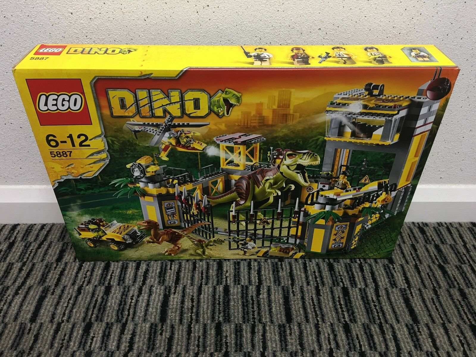 LEGO Dinosaurs Dino Defense HQ (5887) New & Sealed