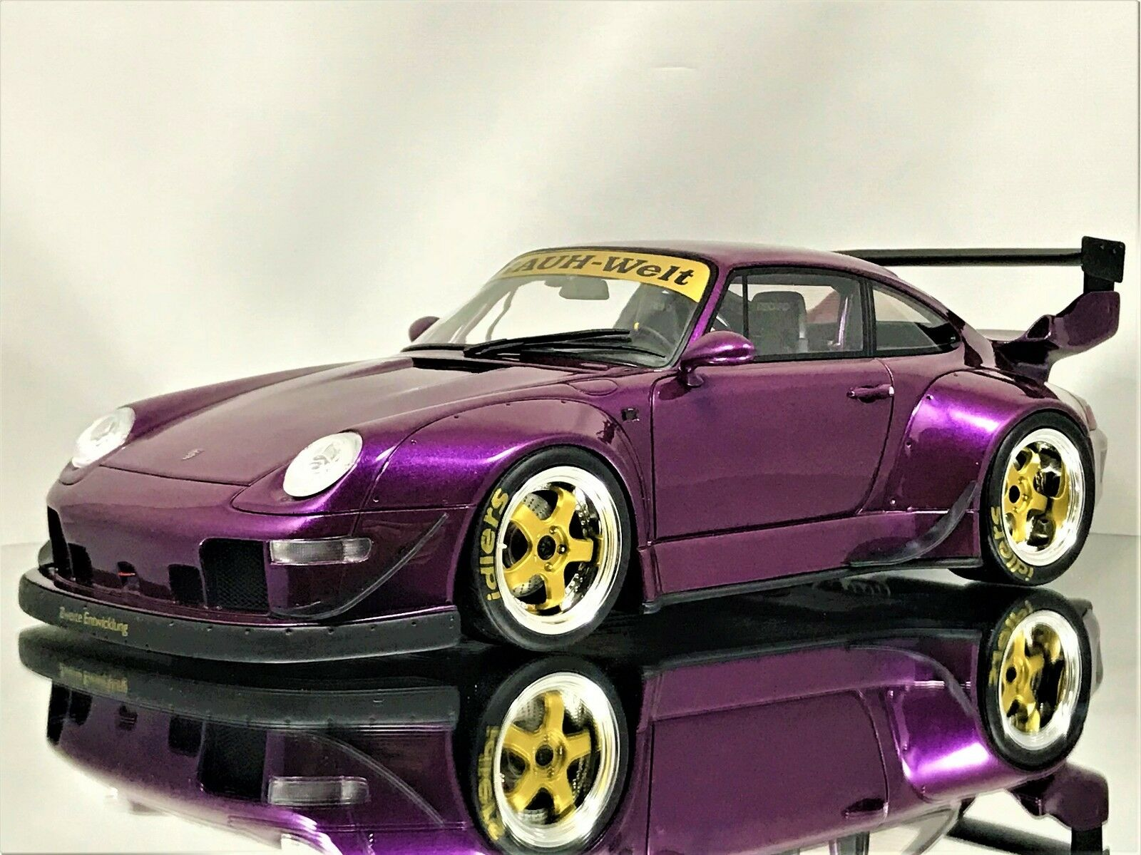 GT Spirit Porsche 911  (993) RSF Rauh-Welt Begriff Violet & Or Résine Modèle 1 18  haute qualité authentique