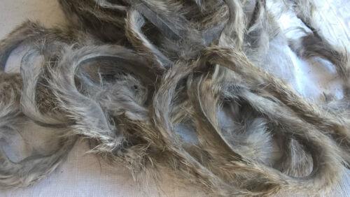 Peau fourrure de Lapin pour montage des mouche pêche Rabbit Fly Gris 4//5mm x 1m