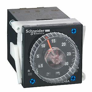 2 W SCHNEIDER ELECTRIC Zeitrelais 4 Funktionen 0,02 s-300 h 24-240VAC//DC ...