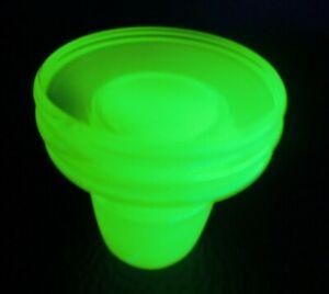 ANTIQUE-URANIUM-VASELINE-GLASS-APOTHECARY-BOTTLE-JAR-STOPPER