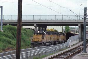 UNION-PACIFIC-Railroad-Locomotives-Train-HOLLYWOOD-CA-Original-1987-Photo-Slide