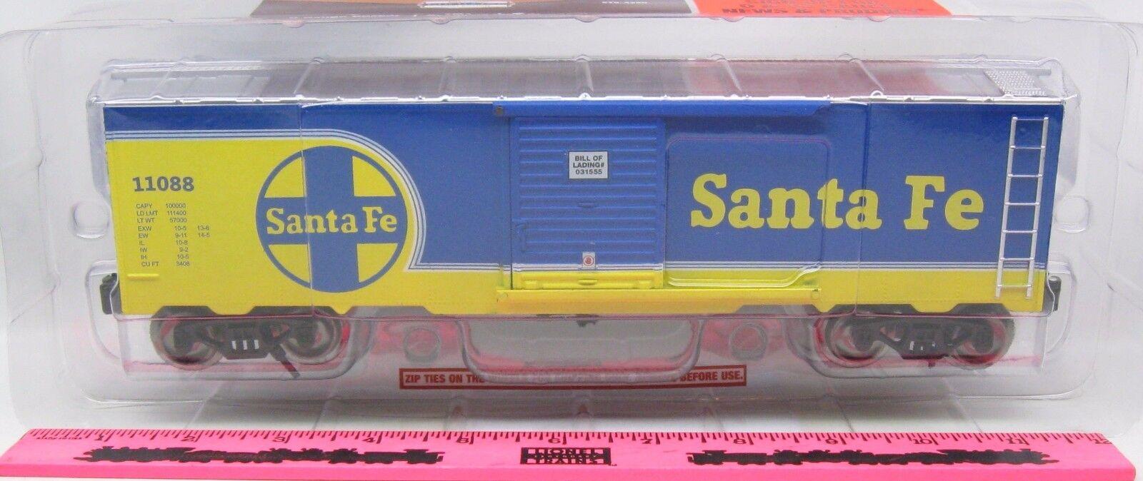 Menards  O Gauge Santa Fe Boxcar (bluee)