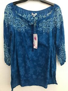 NWT-Johnny-Was-3J-Workshop-Blue-Print-Embroidered-Top-Blouse-Tunic-Keyhole-S
