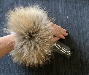 NWT-Mitchie-s-Raccoon-Fur-Mitten-Cuffs-PG