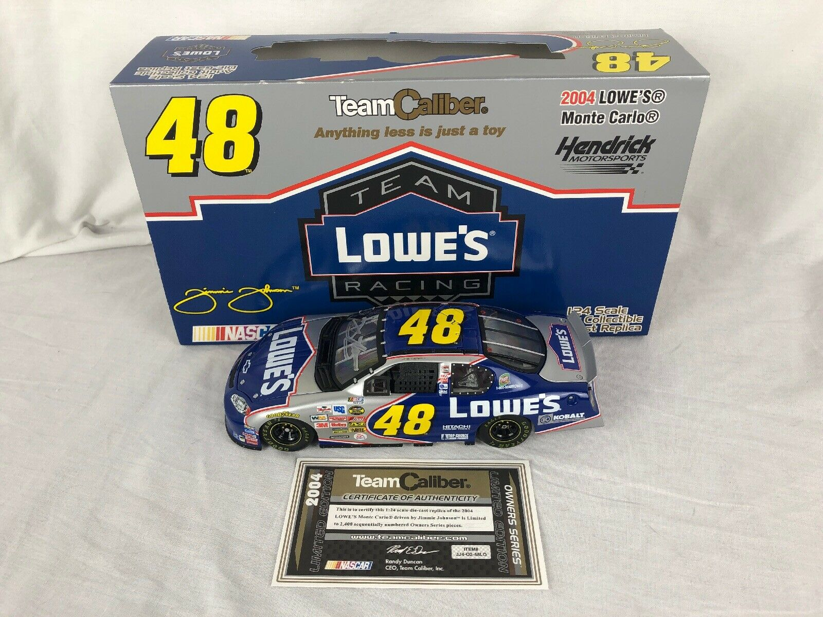 2004 Team Caliber Owners Autograph Jimmie Johnson  48 Lowe's 1 24 Scale Diecast