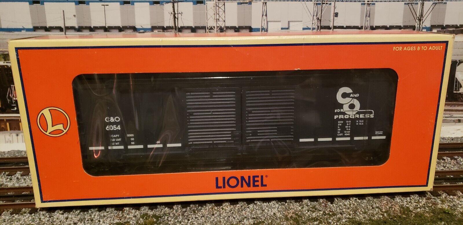 NIB LIONEL CHESAPEAKE & OHIO DOUBLE DOOR BOXCAR