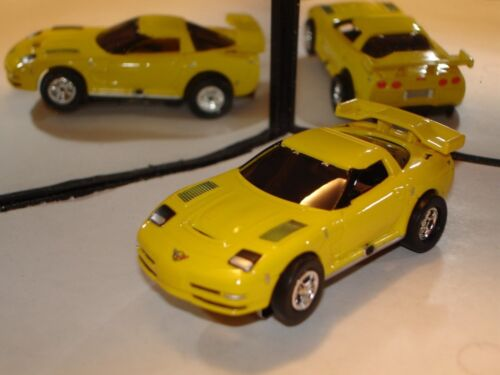 AUTO WORLD ~ /'04 Chevy Corvette C5R ~ New in Jewel Case ~ ALSO FITS AFX JL AW