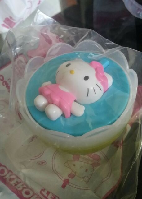 Set of 4 NEW HELLO KITTY tea cups & covers McDonald's cool girls kids toys HTF