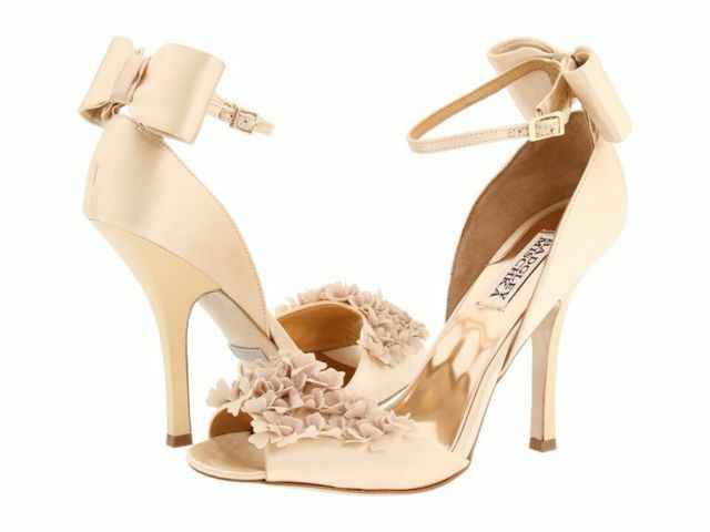 d4705d562ba Badgley Mischka Lelah Wedding Bridal Frilly Sandals Bow Shoes Cream 10 M  for sale online