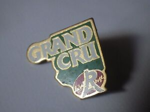 Pin-039-s-Vintage-Collector-Lapel-Pin-Advertising-Label-Red-Gran-Cru-Lot-A050