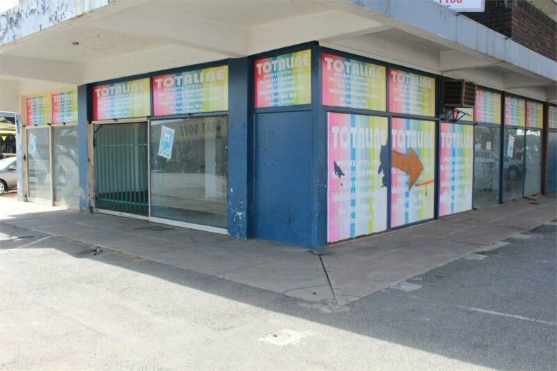 320SQM RETAIL UNIT TO RENT ON FRED NICHOLSON STREET IN WONDERBOOM SOUTH