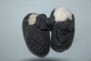 NORO-Chaussons-Pompon-bebe-tricotes-main-Gris-3-mois-neuf