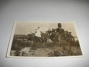 ORIGINAL ANTIQUE MAN & WOMAN ON EARLY FIRE TRUCK ENGINE PHOTO PHOTOGRAPH