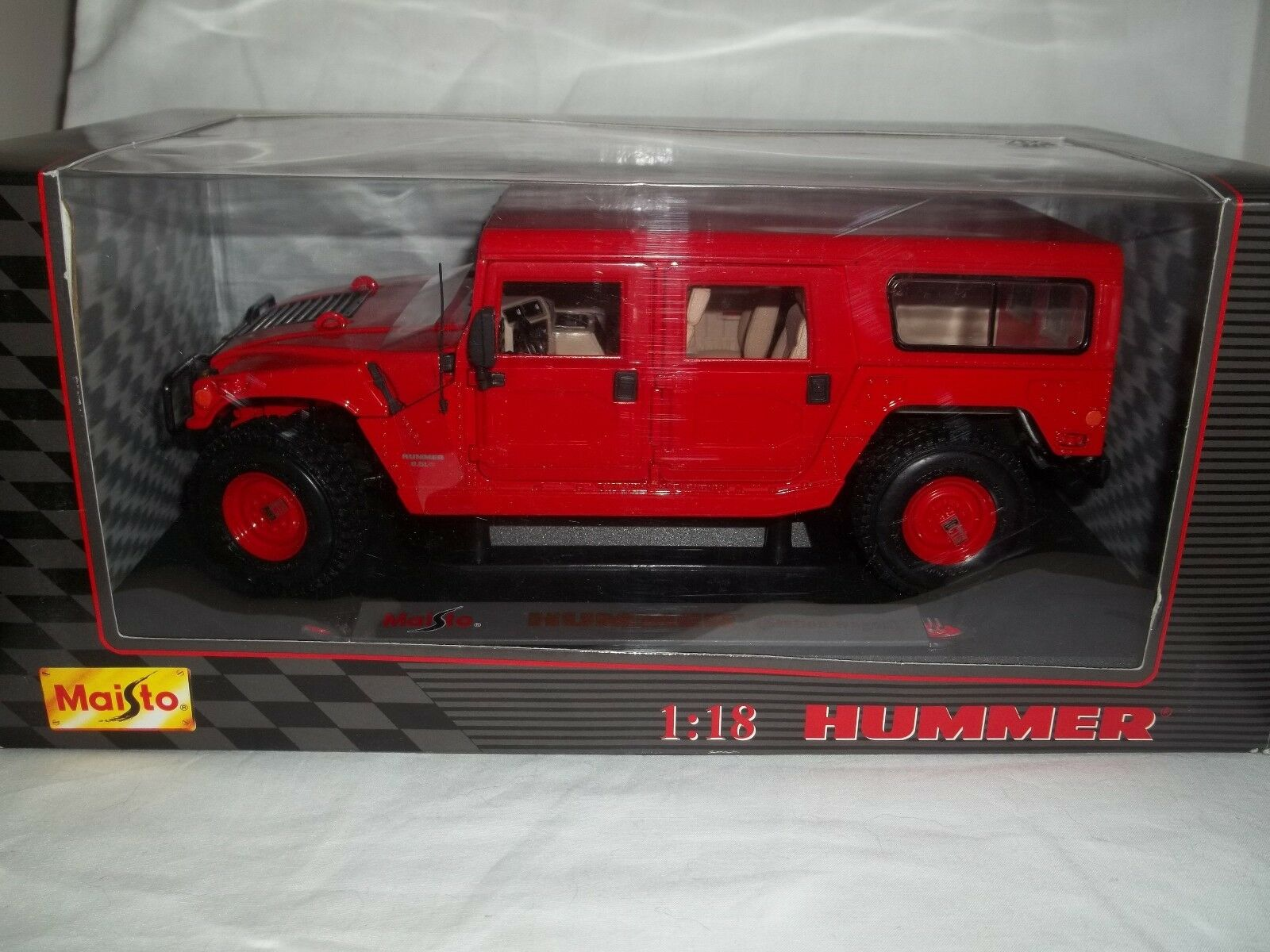 Maisto 31858 Hummer Station Wagon Red 1 18 Mint & Boxed