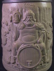 alter-Regensburger-Bierkrug-Reliefkrug-mit-Bacchant-Zinndeckel