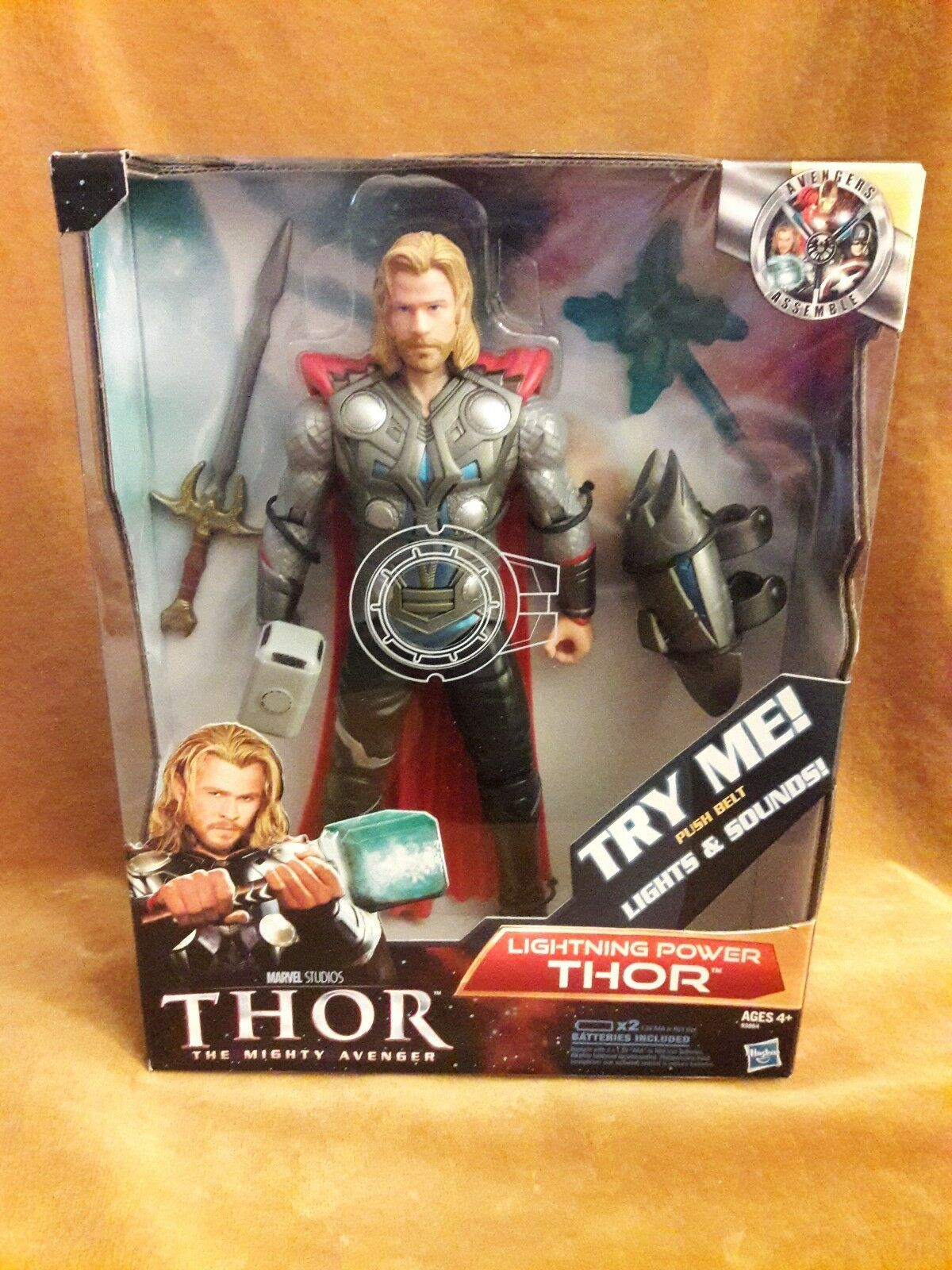 Marvel The Mighty Avenger Lightning Power THOR Lights & Sounds 10'' Figure