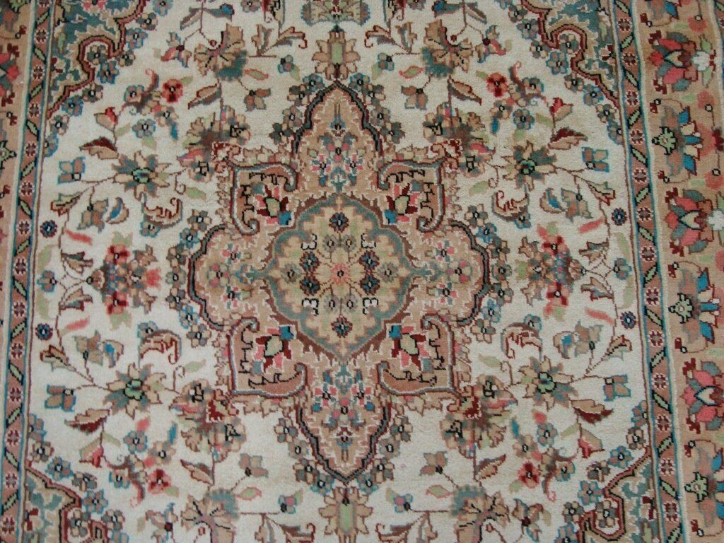 Sarafia Beauty Floral Oriental Area Rug Hand Hand Hand Knotted Wool Silk Carpet (6 x 4)' eb2435