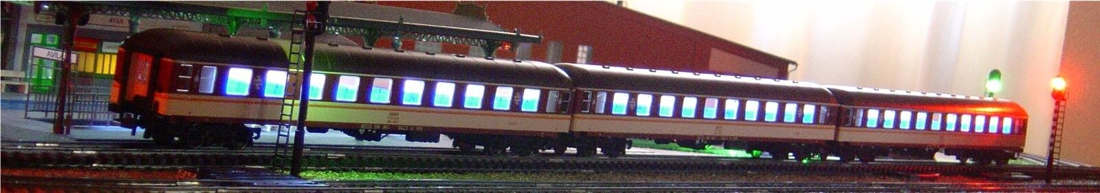 Roco HO, lighting kit set 3 cars train star ref 64043 with led