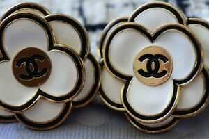 Two-Stamped-Vintage-Chanel-buttons-lot-of-2-cc-size-32-mm-XXL-Camellia