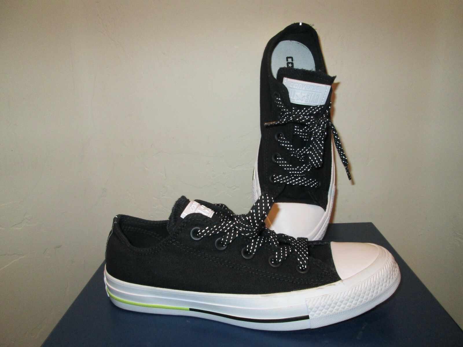 CONVERSE ALL STAR BLACK WHITE SNEAKERS with STRIPE LACES WOMENS SHOES SZ 6 NEW