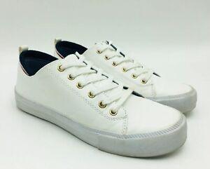 Casual Sneaker Size 7M White Multi