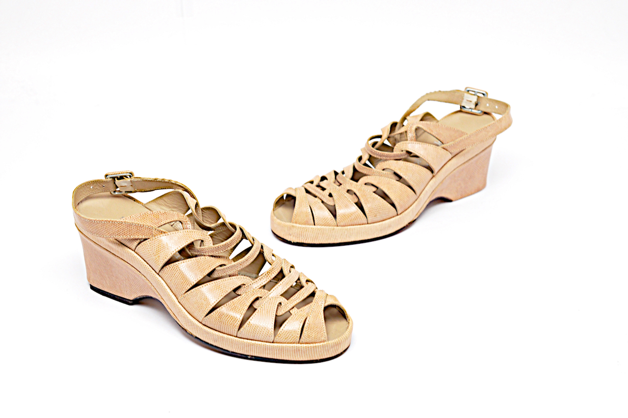 STEPHANE STEPHANE STEPHANE KELIAN Beige Embossed Leather Platform Heels  4.5 7  Removable Strap a838d9