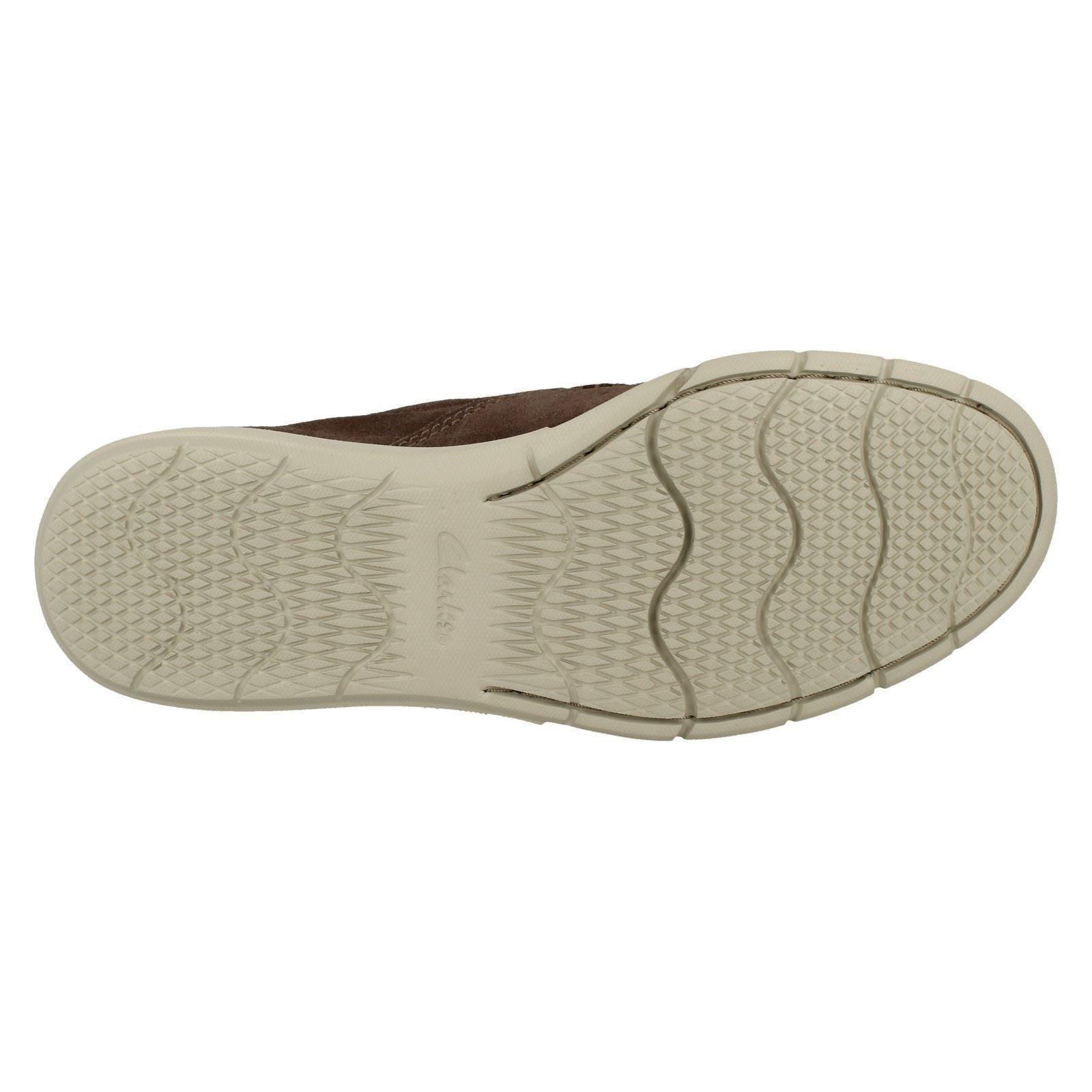 Herren Clarks Edgewood Step Leder Taupe Suede Leder Step Slip On Schuhes 26f190