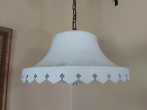 Mid-Century-Modern-Metal-Scalloped-Pendant-Lamp