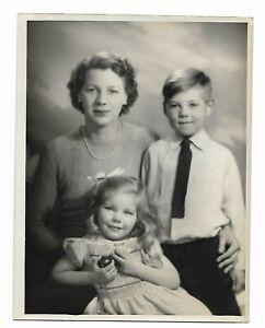 6 x 9 original Marcus Adams Photo Mrs. Hesketh-Prichard w/ Dicon & Theodosia