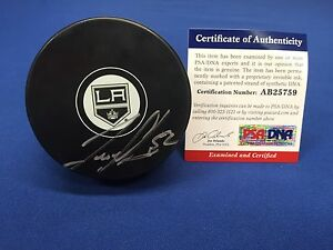 Luke Schenn Signed Los Angeles Kings Hockey Puck PSA/DNA AB25759