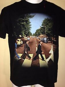 VINTAGE-THE-BEATLES-ABBEY-ROAD-2005-MEDIUM-T-SHIRT-ROCK-VTG-JOHN-LENNON