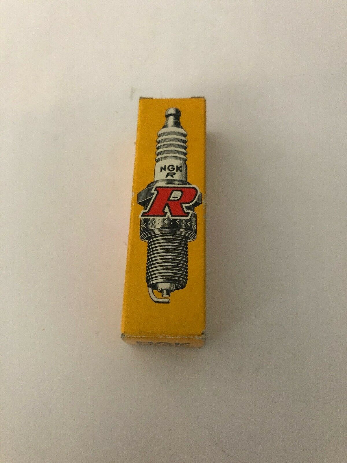 4x NGK SPARK PLUGS Part Number C8HSA Stock No 6821 New Genuine NGK SPARKPLUGS