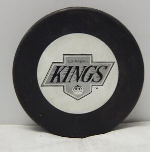 fedef2385e4 Image is loading Los-Angeles-Kings-Official-Vintage-NHL-Hockey-Puck-