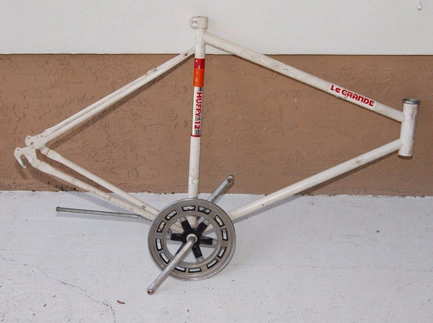 VINTAGE (1970`S) HUFFY LE GRANDE ROAD BIKE FRAME BICYCLE MADE IN USA