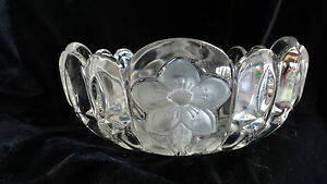 Vintage-Heavy-Crystal-Frosted-Flowers-and-Leaves-Bowl