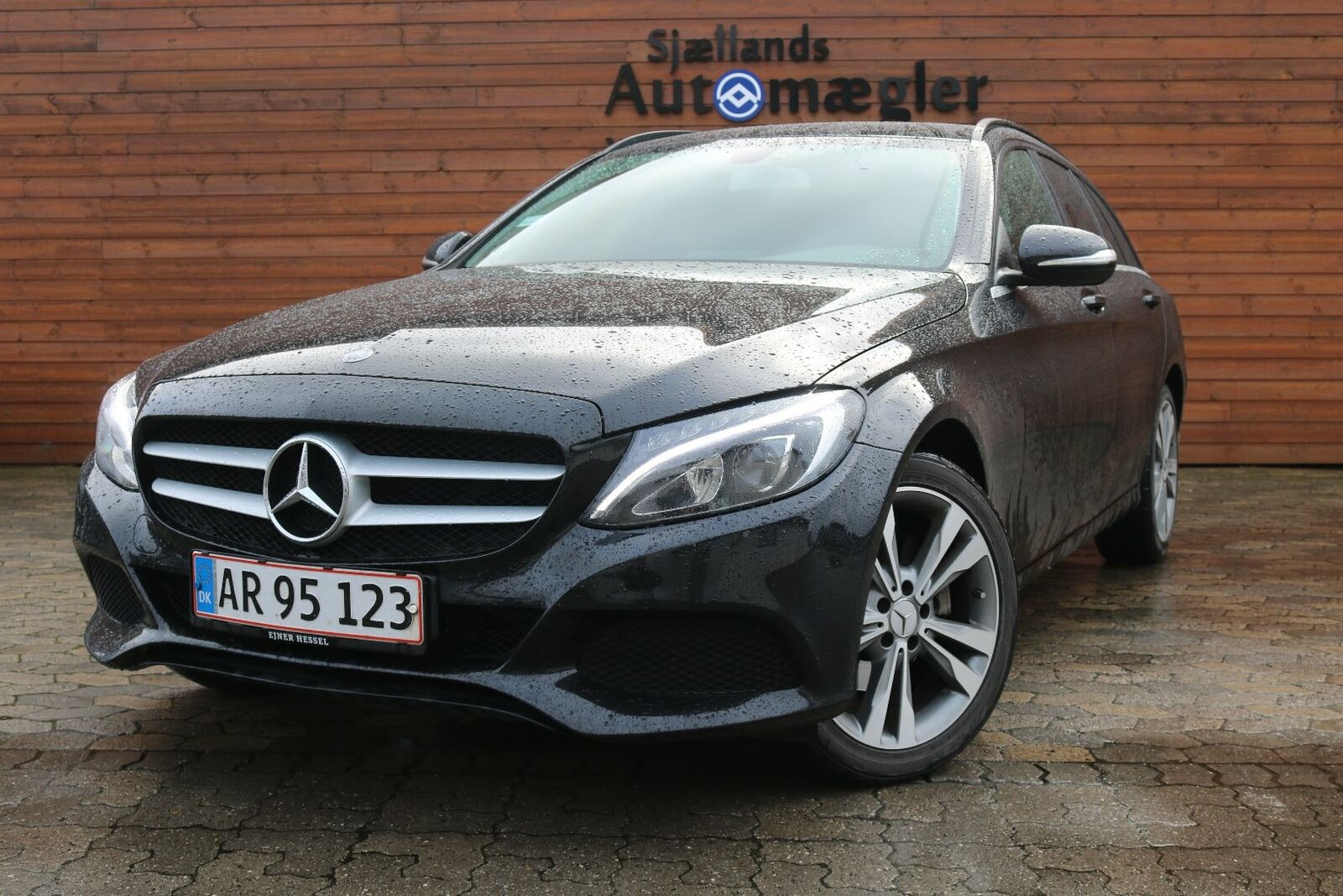 Mercedes C200 2,0 stc. aut. 5d - 295.000 kr.