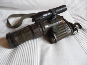 Bundeswehr-BW-Fero-51-BW-Nachtsichtgeraet-mit-IR-Taschenlampe