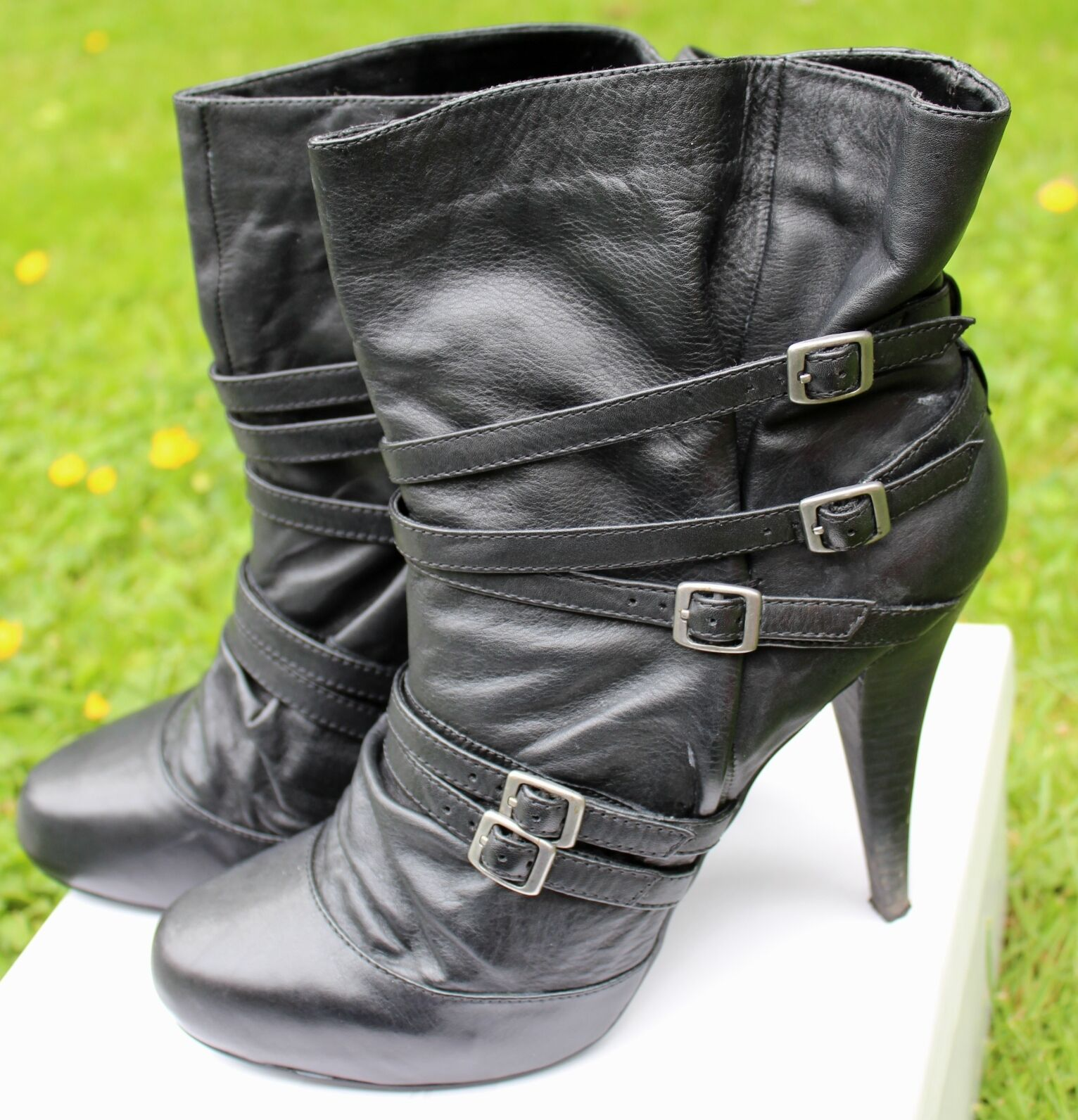 HIGH HEEL BLACK STRAPS BUCKLES  LEATHER ANKLE BOOTS 41 UK 7 Steam Punk Burlesque