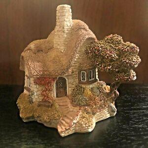 Lilliput Lane Beehive Cottage, Miniature Masterpieces UK Cumbria w/ Deed, No Box