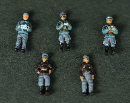 1//144 WWII German Air Force Luftwaffe Pilot /& Ground Crew 5 Figures Diecast Set