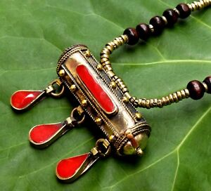 Red-Afghan-Kuchi-Necklace-Tribal-Lid-Prayer-Pill-Box-Jewelry-Dance-Boho-Ethnic