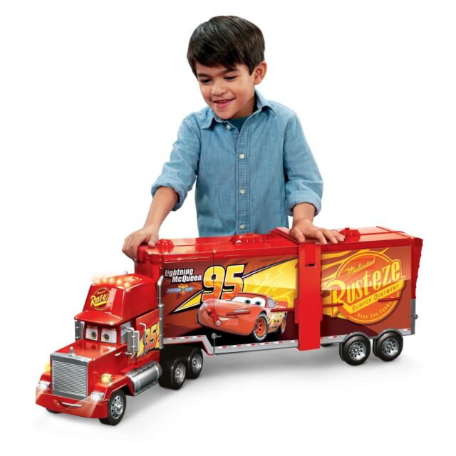 Disney Pixar Cars Mack Action Drivers Playset 2-in-1 Vehicle Accessory Set
