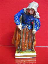 Bettlerin auf Krücken Barock Volkstedt Ernst Bohne alte Frau Porzellan Figur