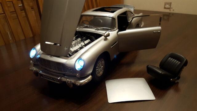 James Bond DB5 Aston Martin 1:8 Eaglemoss gut gebaut