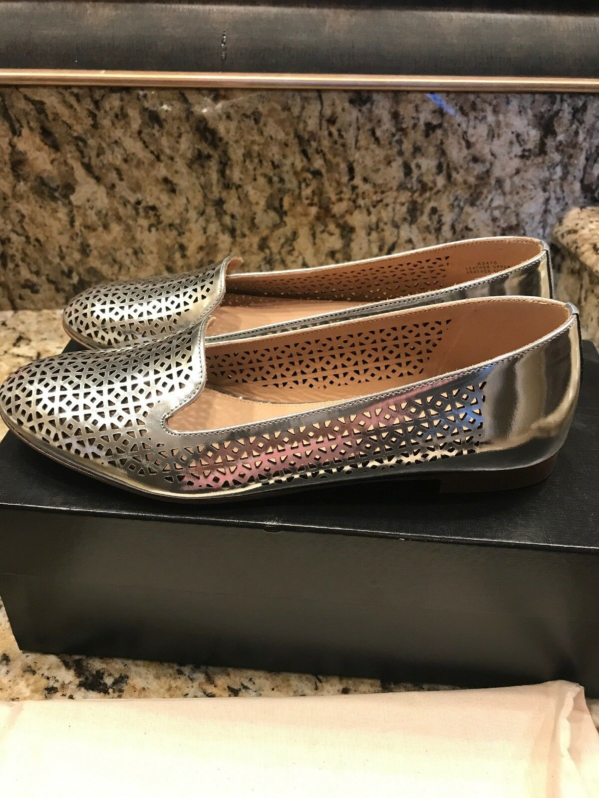 NEW NEW NEW JCrew Cleo Perforated Mirror Metallic Flats 6.5 SILVER b964af