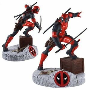Deadpool-Finders-Keypers-10-034-statue-w-built-in-key-chain-holder-for-your-keys