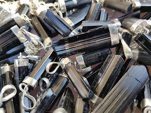 Turmalin-Spitzen-Anhaenger-Schwarz-mit-Silber-Kristall-aus-Afghanistan